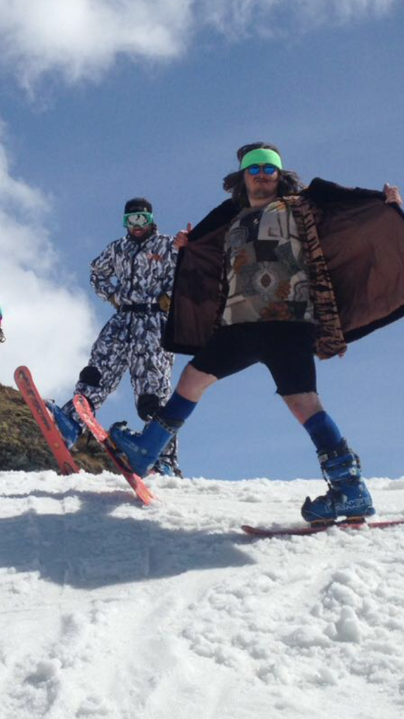 How to choose the right ski clothing